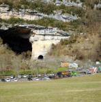 Du Mas-d'Azil aux Espélugues à Lourdes, les groupes préhistoriques échangeaient desobjets, notamment en os de cétacés . Photo DDM
