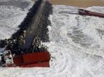 """Le militaire a décrit des marins """"complètement apeurés"""". """"Ils refusaient de retirer leurs gilets de sauvetage pour mettre les brassières"""" nécessaires à l'hélitreuillage, a-t-il-expliqué. (Regis Duvignau / Reuters)"""