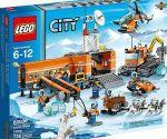 le set de jeu Lego «Camp de base en Arctique» est utilisé dans la vidéo de Greenpeace. Crédit photo: Lego