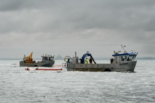 Les marins pêcheurs de Saint-Brieuc, Saint-Malo, Granville et du Vivier-sur-Mer ont été associés.|Alain Monot©Marine nationale