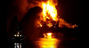 oil-rig-Azerbaijan-on-fire2