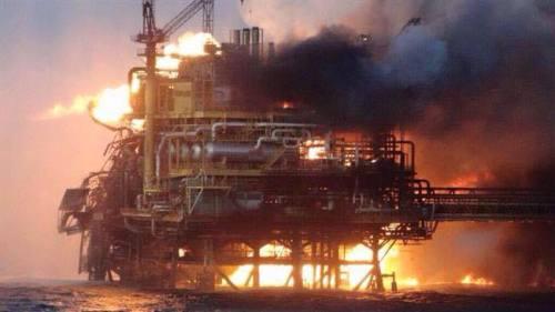 oil-rig-Azerbaijan-on-fire3